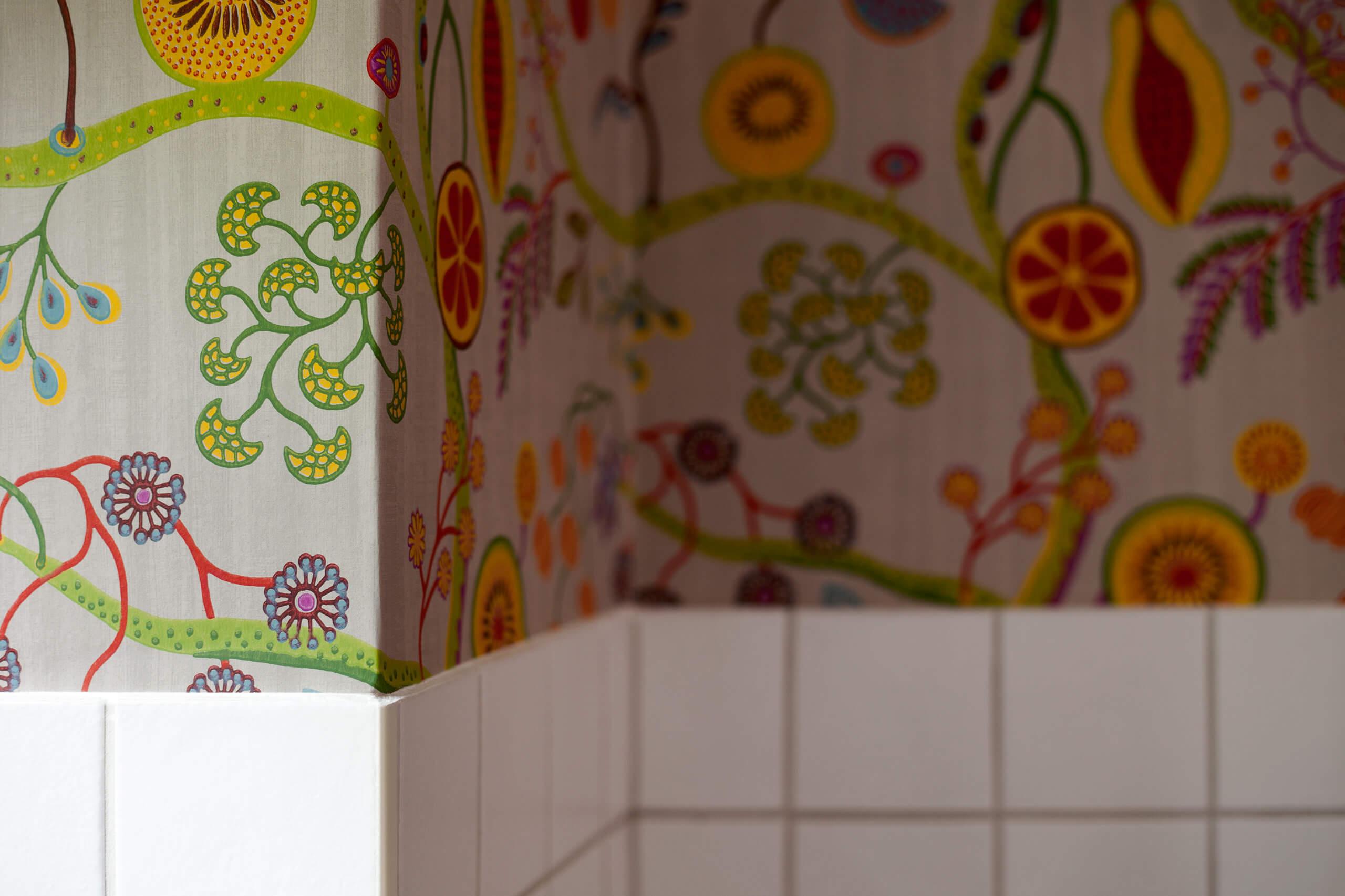 blumenmuster k chentapeten adler wohndesign. Black Bedroom Furniture Sets. Home Design Ideas