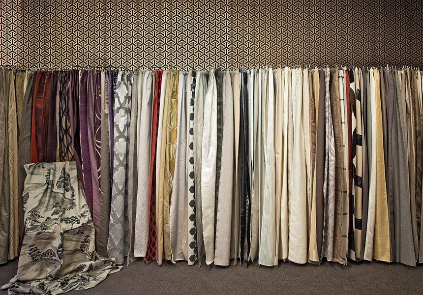 Hier sehen Sie Stoffe aus denen wir Ihnen Ihre Vorhänge und Gardinen nach Maß anfertigen.