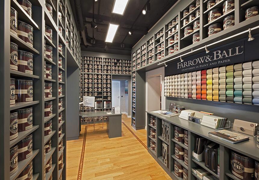 In unserem Farrow & Ball Showroom sehen Sie alle aktuellen Tapeten, alle Farben sind am Lager, wir führen die Malerarbeiten selbst aus falls gewünscht.